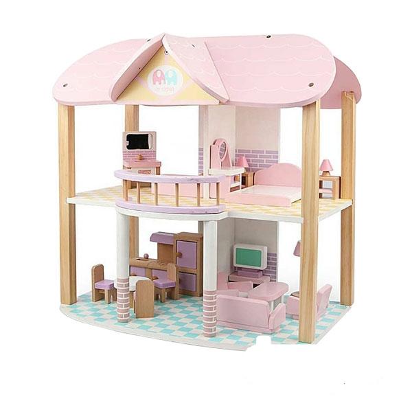 خانه چوبی بزرگ با وسایل