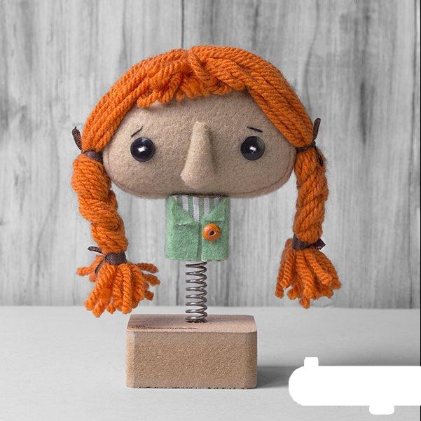 عروسک پلویز و پونه، یلدا (مو نارنجی)